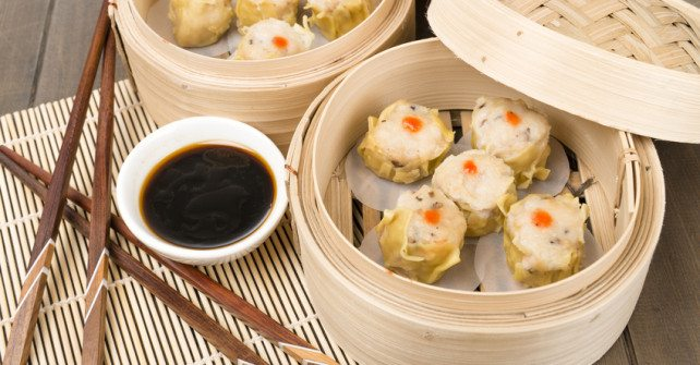 Pork Shu Mai – Steamed Dumplings with Spicy Chili Sauce